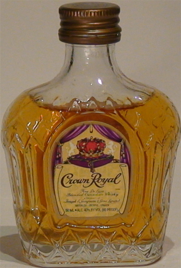 Crown Royal Fine de Luxe Blended Canadian Whisky
